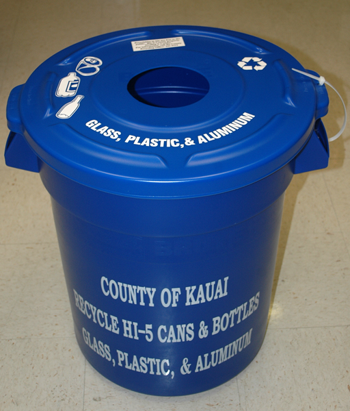 photo of blue bin for recycling glass, plastic, and aluminum